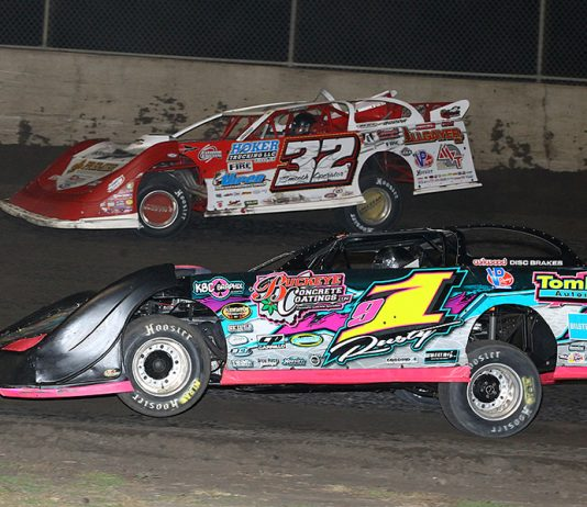 Rusty Schlenk (1) battles Bobby Pierce during Friday's Lucas Oil MLRA event at Tri-City Speedway. (Mike Ruefer Photo)