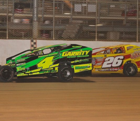 Andy Bachetti (4) fends off Ryan Godown during Saturday's Short Track Super Series Speed Showcase 200 at Port Royal Speedway. (Dan Demarco photo)