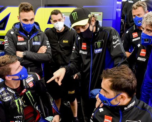 Valentino Rossi has been cleared to compete after testing negative for COVID-19.
