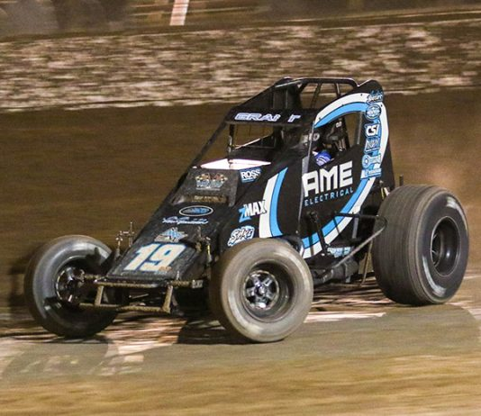 Justin Grant on his way to victory in the sprint car portion of Friday's Western World Championships preliminary event at Arizona Speedway. (Ivan Veldhuizen Photo)