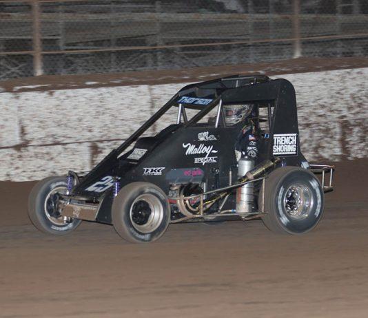 Tanner Thorson on his way to victory Friday night at Arizona Speedway. (Ivan Veldhuizen Photo)