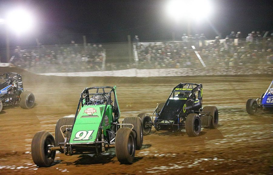 Brody Roa (91) leads Matt McCarthy during the USAC/CRA and USAC Southwest sprint car portion of Friday's Western World Championship opener at Arizona Speedway. (Ivan Veldhuizen Photo)
