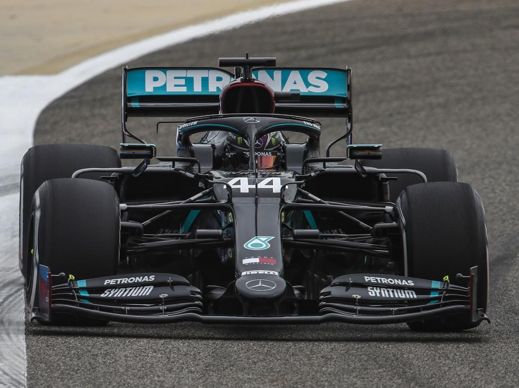 Hamilton Aces Bahrain Grand Prix Qualifying