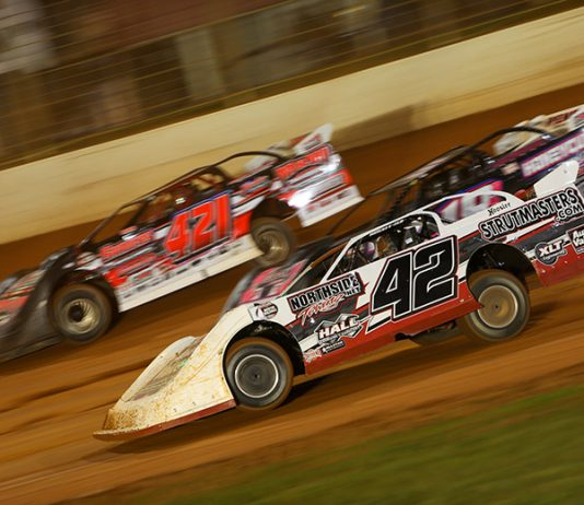 Eight classes, headlined by the super late model division, will take part in the inaugural Bristol Dirt Nationals. (Adam Fenwick Photo)