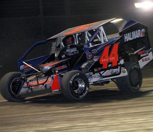 Stewart Friesen won his second-straight Super DIRTcar Series DIRTcar Nationals feature on Wednesday. (Jim Denhamer Photo)