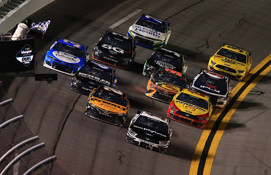 Aric Almirola (10) races towards the checkered flag to win Duel No. 1 on Thursday at Daytona Int'l Speedway. (HHP/Jeff Fluharty Photo)