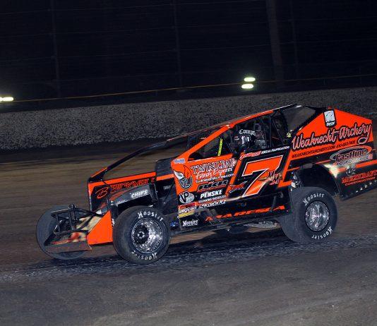 Michael Maresca en route to victory at Volusia Speedway Park. (Jim DenHamer photo)