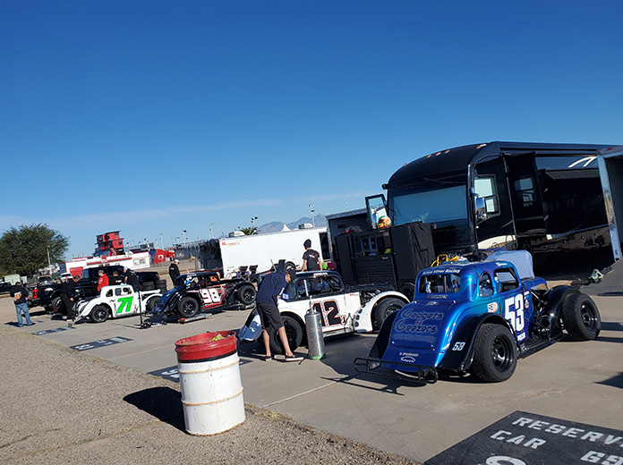 Legend cars will join super late models on the card for the Chilly Willy 150. (Aaron Creed Photo)