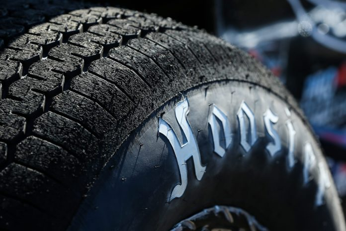An overall purse of $45,000 will be on the line during the Hoosier Racing Tire Weekly Championship.