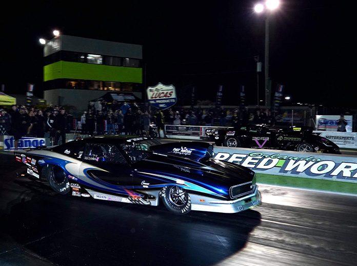 Wes Distefano (near lane) beat Dillon Voss (far lane) to win the Pro 632 portion of the Doorslammer Nationals. (Luke Nieuwhof Photo)