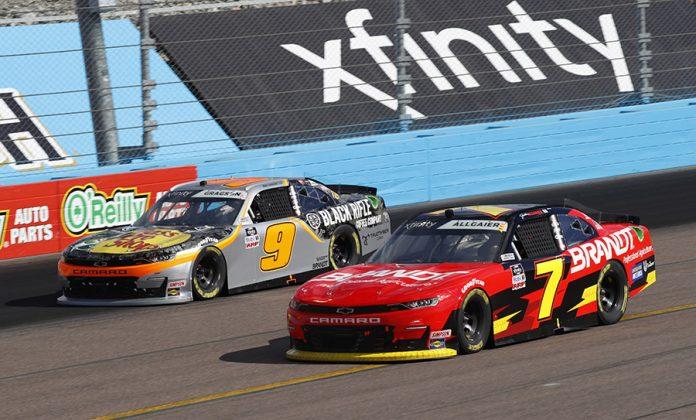 Justin Allgaier (7) battles teammate Noah Gragson Saturday at Phoenix Raceway. (HHP/Harold Hinson Photo)
