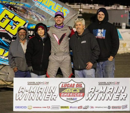 J.J. Hickle in victory lane. (Rudy Garcia photo)