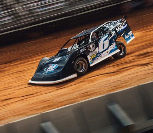 Kyle Larson will have sponsorship from MAVTV during Lucas Oil Late Model Dirt Series races.