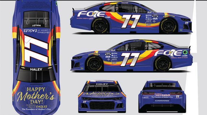 Spire Motorsports will honor Robert Pressley as well as celebrate Mother's Day at Darlington Raceway.