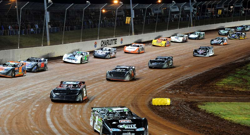ON TRACK: The World of Outlaws Late Model Series field fans out on track Friday night. (Joe Secka/JMS Pro Photo)