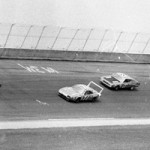 Charlie Glotzbach (99) and David Pearson (17) lead Bobby Isaac (71), eventual winner Donnie Allison (27) and Dick Brooks.