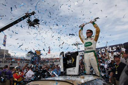 Carl Edwards celebrates his victory in Sunday's Kobalt Tools 400 at Las Vegas Motor Speedway. (David Allio Photo)