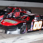 Jamie Weatherford (00) battles Gus Dean during Saturday's PASS South event at Myrtle Beach (S.C.) Speedway. (Chris Owens Photo)