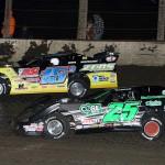 Shane Clanton (25) and Brian Birkhofer Saturday night at Farmer City (Ill.) Raceway. (Mike Ruefer Photo)