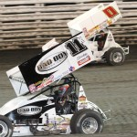 Jonathan Allard (0) and Kraig Kinser during Friday's preliminary Knoxville Nationals event at Knoxville (Iowa) Raceway. (Dick Ayers Photo)