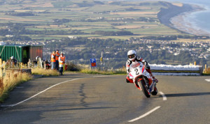 Steve Mercer, riding for the Yamaha Classic Race team, set the fastest lap during Classic TT practice on Thursday at 117.556 mph. (Isle of Man Photo)
