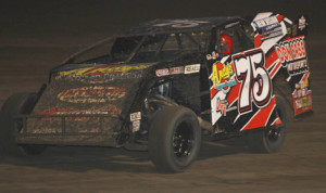 Terry Phillips won Friday's USMTS feature at Lakeside Speedway in Kansas. (Ivan Veldhuizen Photo)