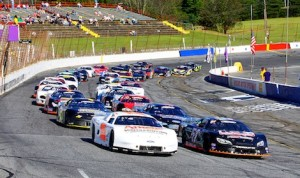 The start of Sunday's PASS late model race at Hickory (N.C.) Motor Speedway. (Chris Owens photo)