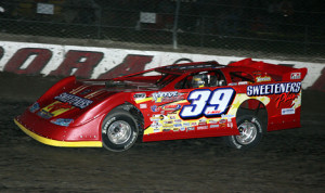 Tim McCreadie en route to victory in his preliminary World 100 feature Friday at Eldora Speedway. (Mike Ruefer Photo)