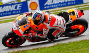 Dani Pedrosa on his way to victory in Malaysia in 2013. (MotoGP Photo)