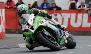 James Hillier rides the Quattro Plant Kawasaki Superbike on the Isle of Man earlier this year. (Isle of Man TT Photo)