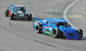The Lucas Oil Modified Series will try to raise car counts in 2014. (Six Pack Eddie Photo)