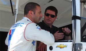 Tony Kanaan discusses his car with engineer Eric Cowdin during a Chip Ganassi Racing team test day at Sebring International Raceway. (Photo by: Dave Lewandowski)