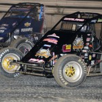Dave Darland (71p) battles Bryan Clauson during the AMSOIL USAC National Sprint Car Series opener at Bubba Raceway Park in Ocala, Fla. (Al Steinberg Photo)