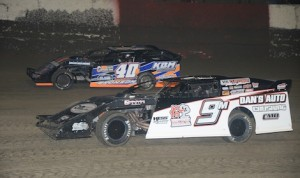 Kyle Bronson (40) battles Dale Mathison Monday night at East Bay Raceway Park. (Al Steinberg photo)