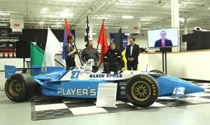 Jaques Villeneuve will be part of a three part Schmidt Peterson Motorsports team for the 2014 Indy 500.