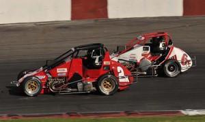 Darin Snider (2) battles Michael Snider Sunday at Madera Speedway. (M&M photo)