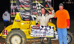 Mitchell Moore in victory lane Friday night. (WAR photo)