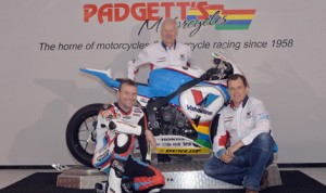 Bruce Anstey, Clive Padgett and John McGuinness with the new Valvoline/Padgetts Honda motorcycle.