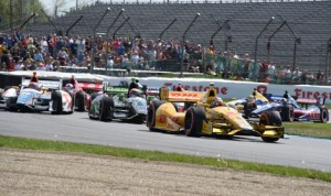Ryan Hunter-Reay (1) leads early during Saturday's Grand Prix of Indianapolis. (Al Steinberg Photo)