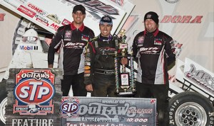 David Gravel and the Roth Motorsports crew in victory lane Saturday at Eldora Speedway. (Mike Campbell photo)