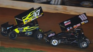 Eric Riggins Jr (47) tries to hold off Terry Gray (10) during the USCS feature Friday night at 411 (Tenn.) Speedway. (Chris Seelman photo)