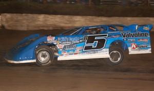 Brandon Sheppard won Monday's DIRTcar Summer Nationals event at Peoria Speedway. (Stan Kalwasinski Photo)