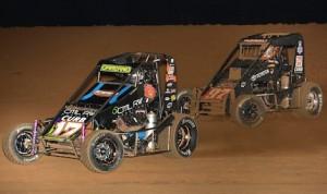Dave Darland (17) battles Rico Abreu Thursday night at Lincoln Park Speedway. (David E. Heithaus photo)