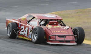 Scott Winters won Saturday's Lucas Oil Modified Series feature at Madera Speedway.