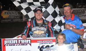 Cory Crapser won Friday's USRA Iron Man Challenge B-Mod event at Rapid Speedway in Iowa. (Jeff Blysma Photo)