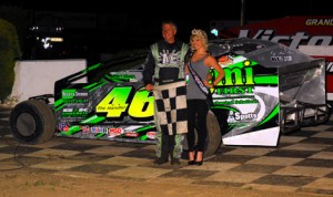 Doug Manmiller in victory lane after winning Saturday's modified feature at Grandview Speedway. (Rich Kepner Photo)