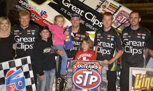 Daryn Pittman, his family and crew enjoy victory lane at Pennsylvania's Lincoln Speedway. (Doug Johnson photo)