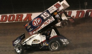 Kerry Madsen (29) battles Donny Schatz for the lead during Saturday's Kings Royal sprint car race at Ohio's Eldora Speedway. (Julia Johnson photo)