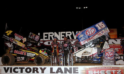 Donny Schatz and Cody Darrah split Tuesday's World of Outlaws STP Sprint Car Series features at Lernerville Speedway. (Hein Brothers photos)
