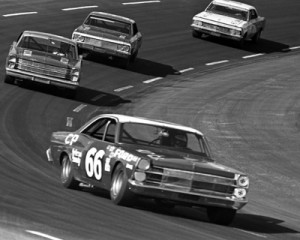 Jim Clark races the No. 66 Holman Moody Ford during the 1967 American 500. (Don Hunter/Smyle Media Photo)
